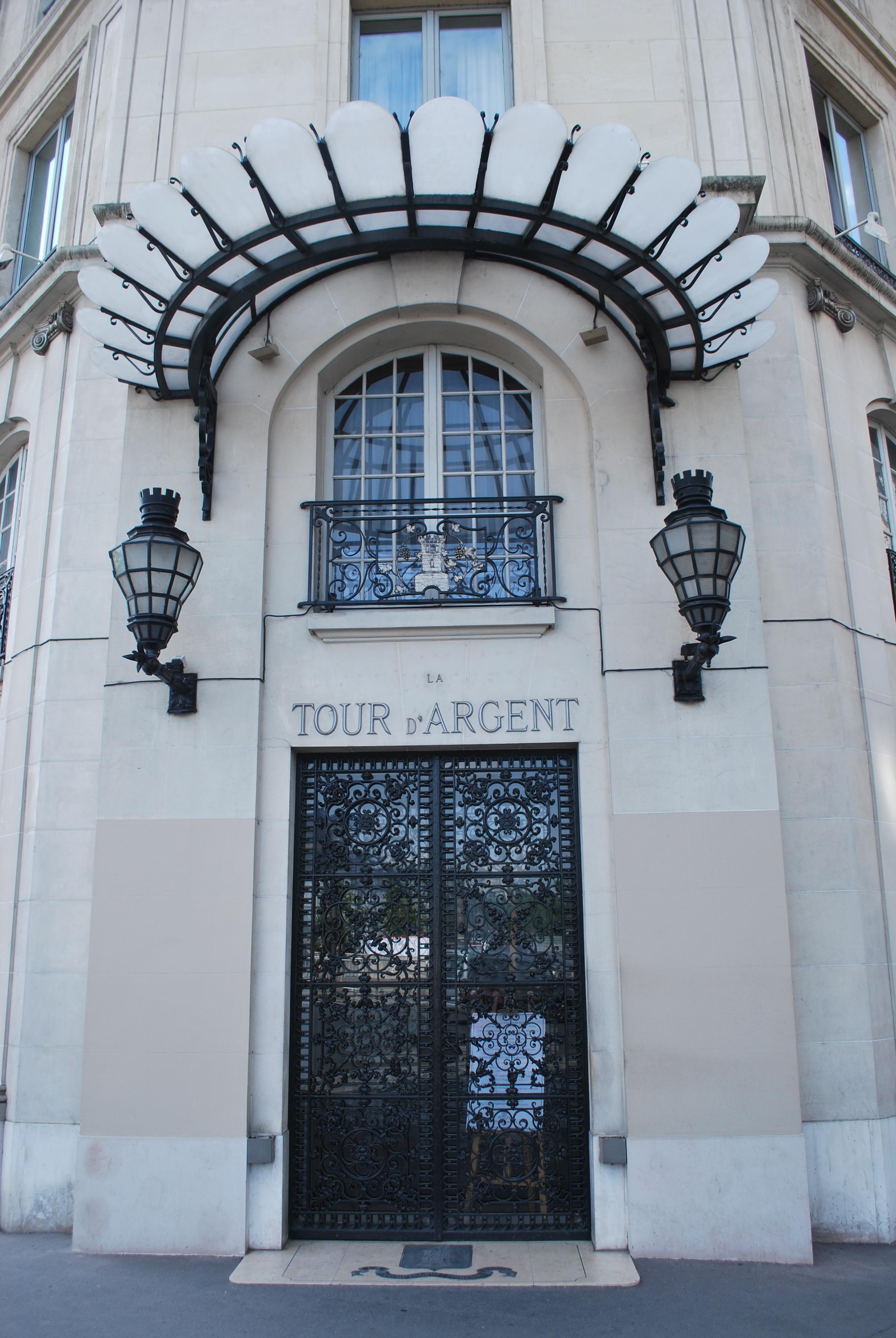 entrance-tour-dargent-paris