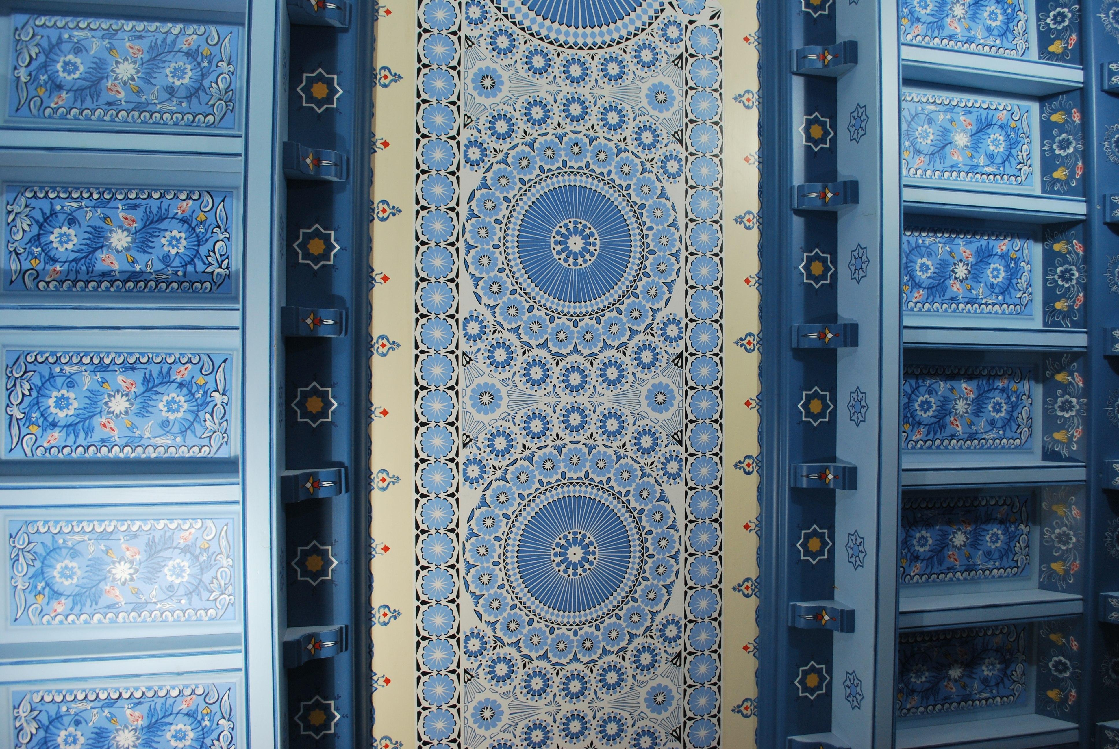 mamoudi-oriental-pastry-shop-paris-interior