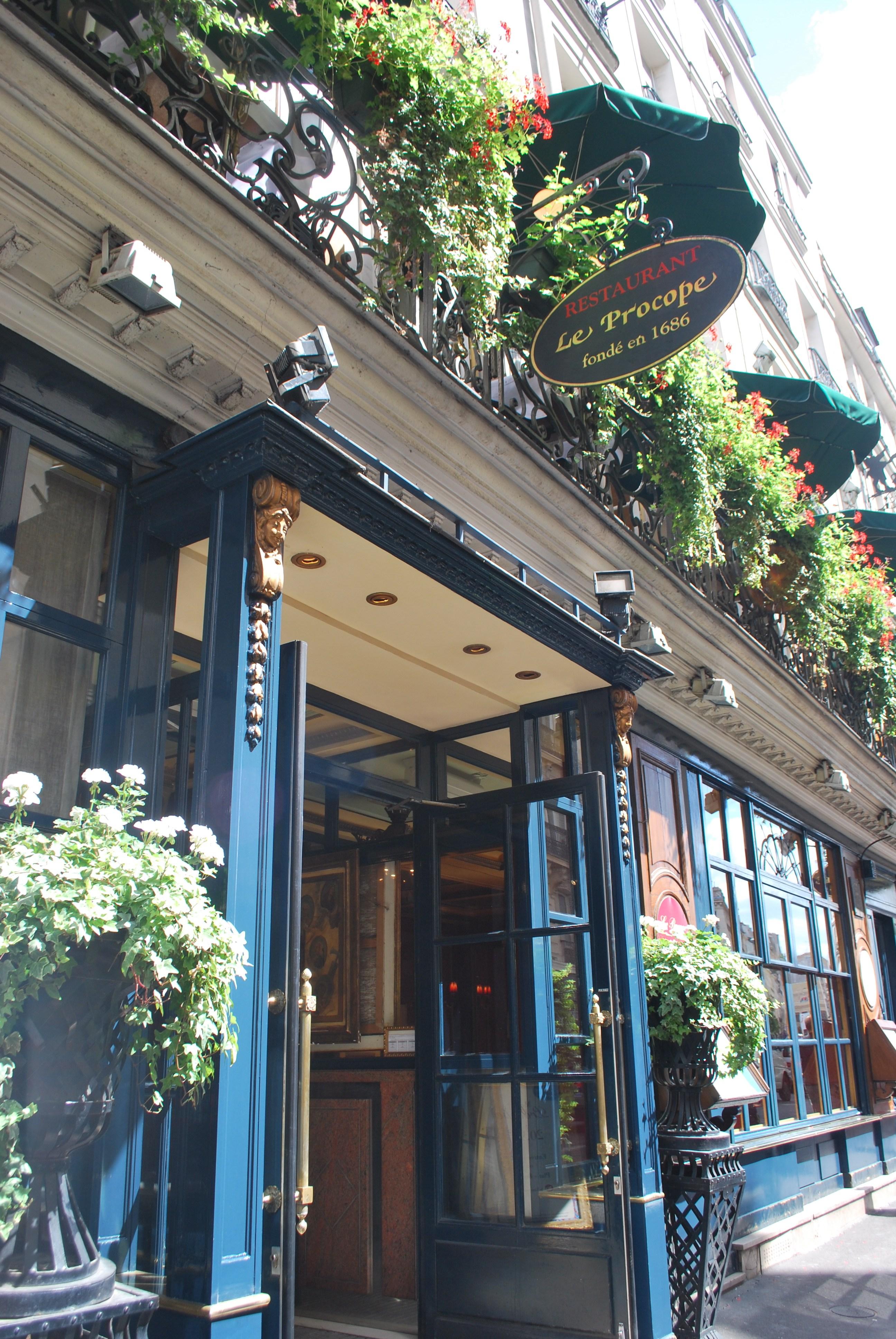 oldest-restaurant-paris-1686-procope