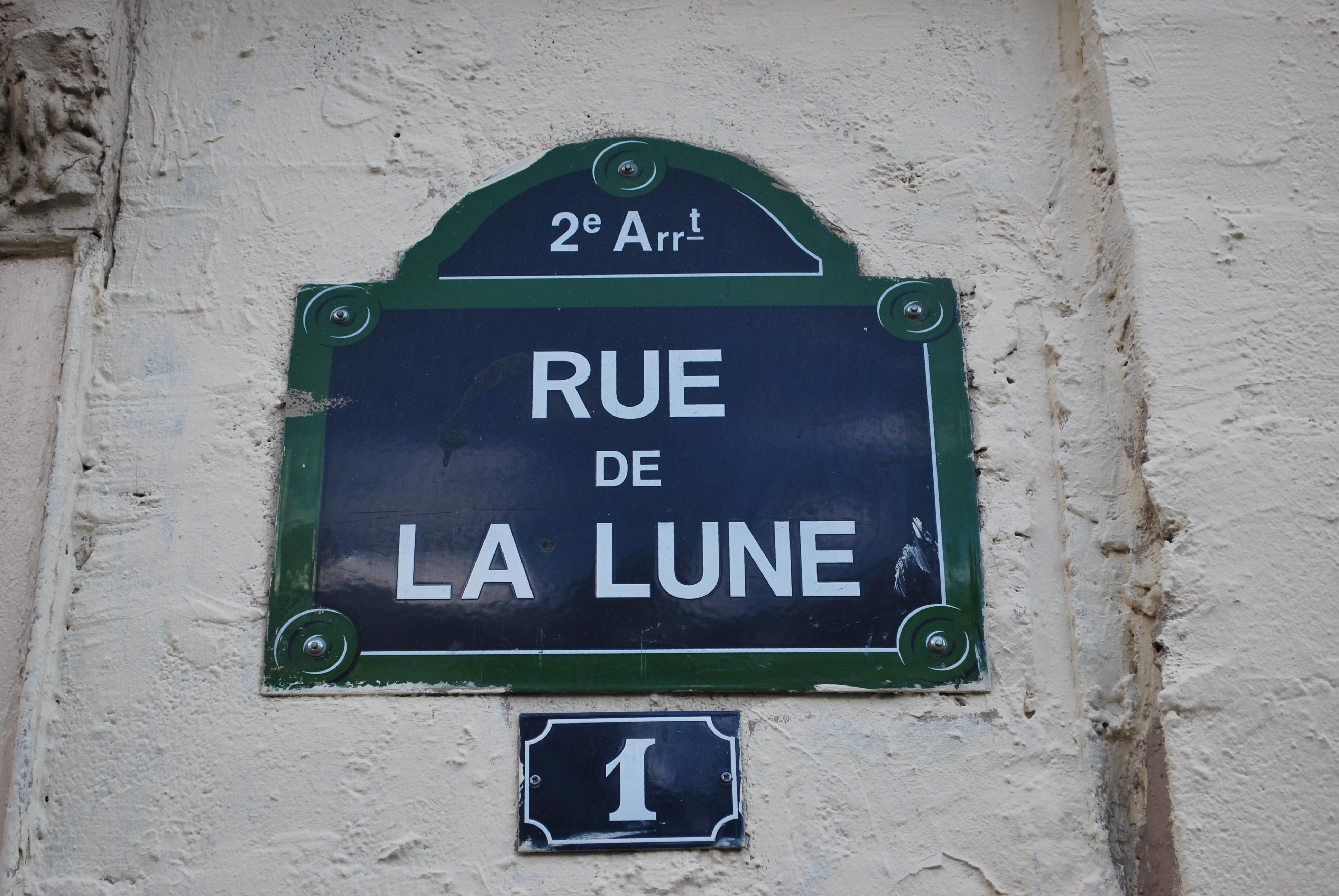 rue-de-la-lune-paris