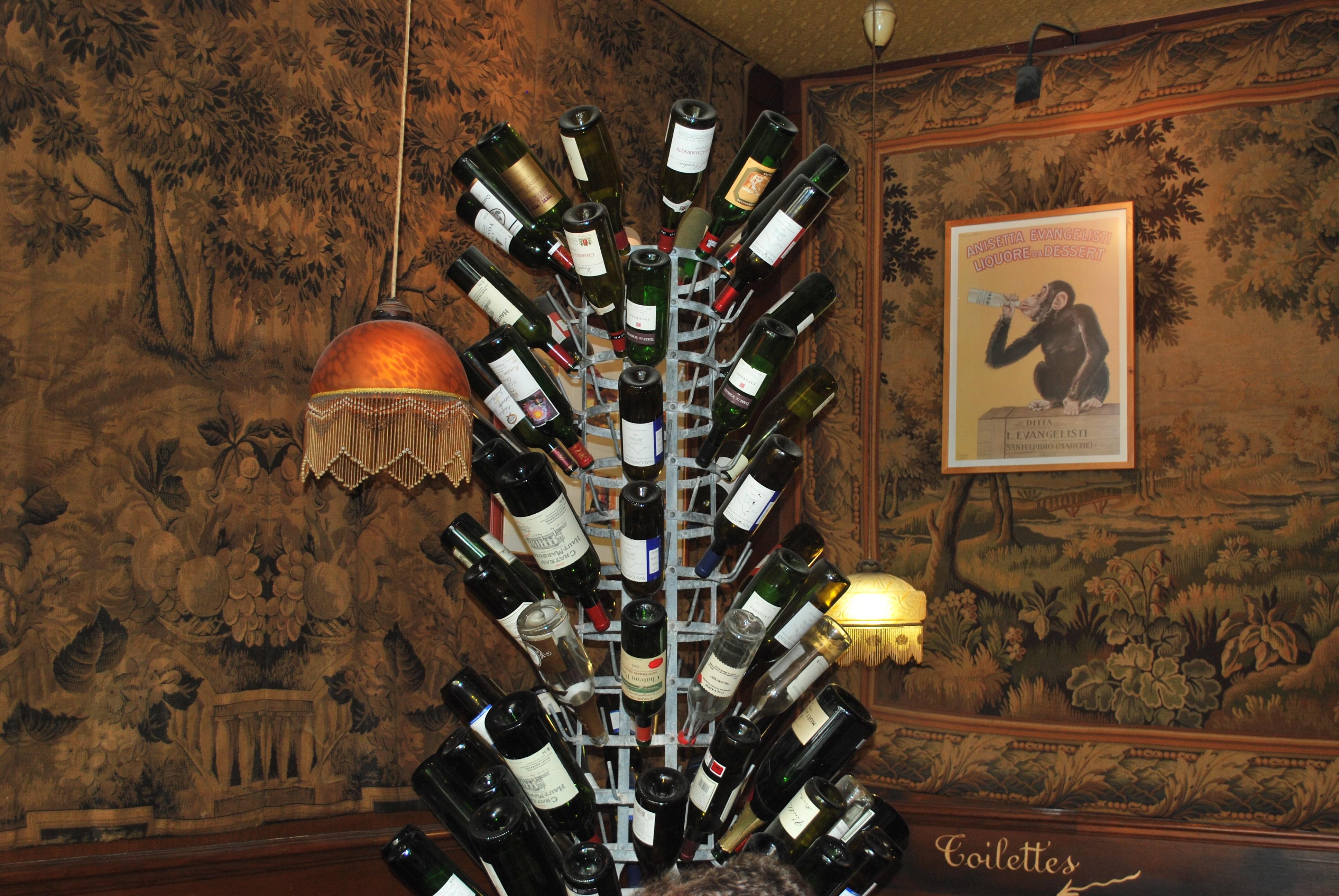 wine-bottle-rack-paris