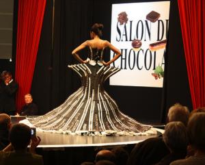 Paris salon du chocolat 2011 edible chocolate dresses for for Salon du master