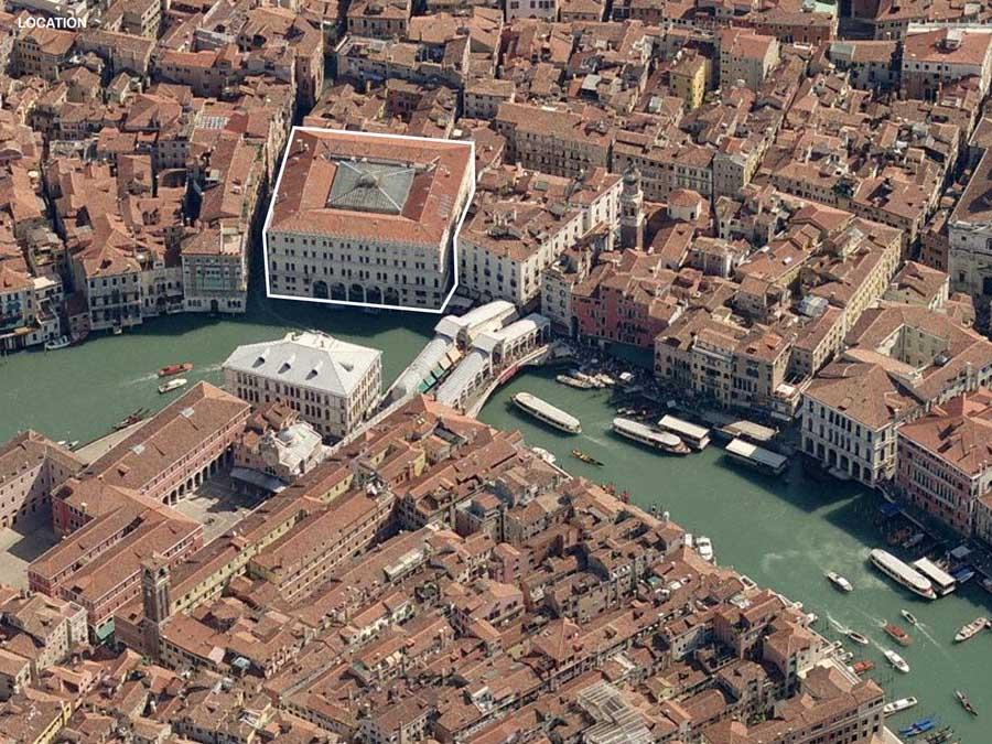 Fondaco dei Tedeschi, LVMH shopping center at Rialto Bridge, aerial view with rialto bridge, Venice, Italy, Venezia
